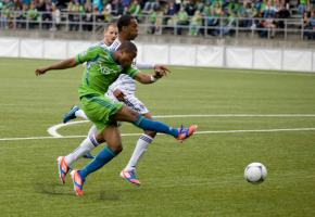 Zakuani headlines Sunday's Kingdom Hope charity match at Starfire