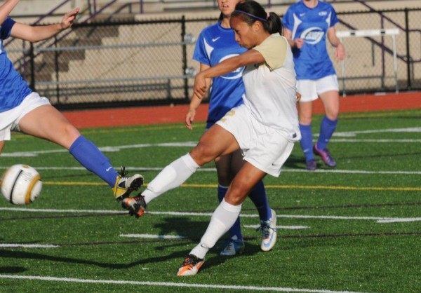 Issaquah WPSL star Houplin called to Phillipines National Team training