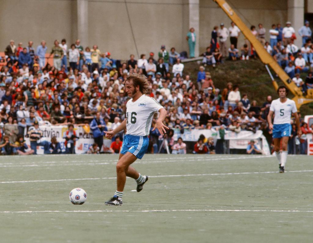 Webster as Sounders Captain, Soccer Bowl '77 against New York Cosmos in Portland, Oregon. (Scott Butner)