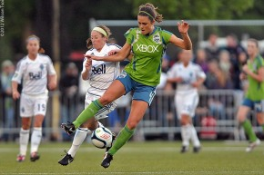 Downpour of free agents for Seattle Reign FC; Deines stays home (videos)
