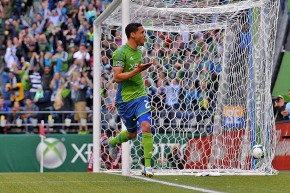 Sounders double-up Dallas in entertaining spectacle