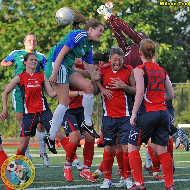 Every ball was contested as AC Seattle hosted Emerald City FC on Thursday night. (Wilson Tsoi)
