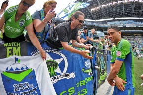 Picture Perfect: The one where Lamar Neagle gives his shirt to a fan