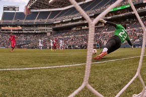 GOLD CUP in Seattle: Panama uses late penalty kick to top Martinique (photos,video)