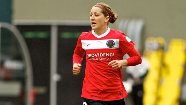 Reign deal with Thorns to acquire forward Foxhoven
