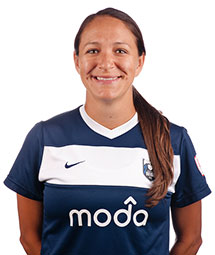 Stephanie Cox re-signs with ReignFC