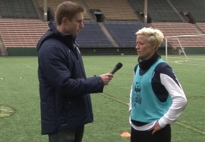 Video Buzz: Megan Rapinoe arrives at Reign FC training