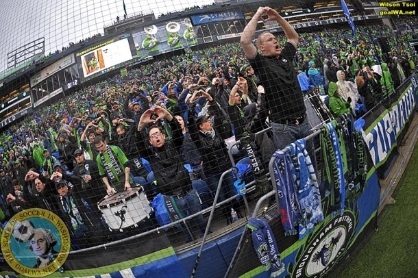 Seattle support. (Wilson Tsoi)