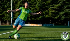 Lindsay Elston signs pro with Houston Dash