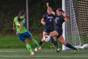 Picture Perfect: Sounders Women play Huskies, Cougars