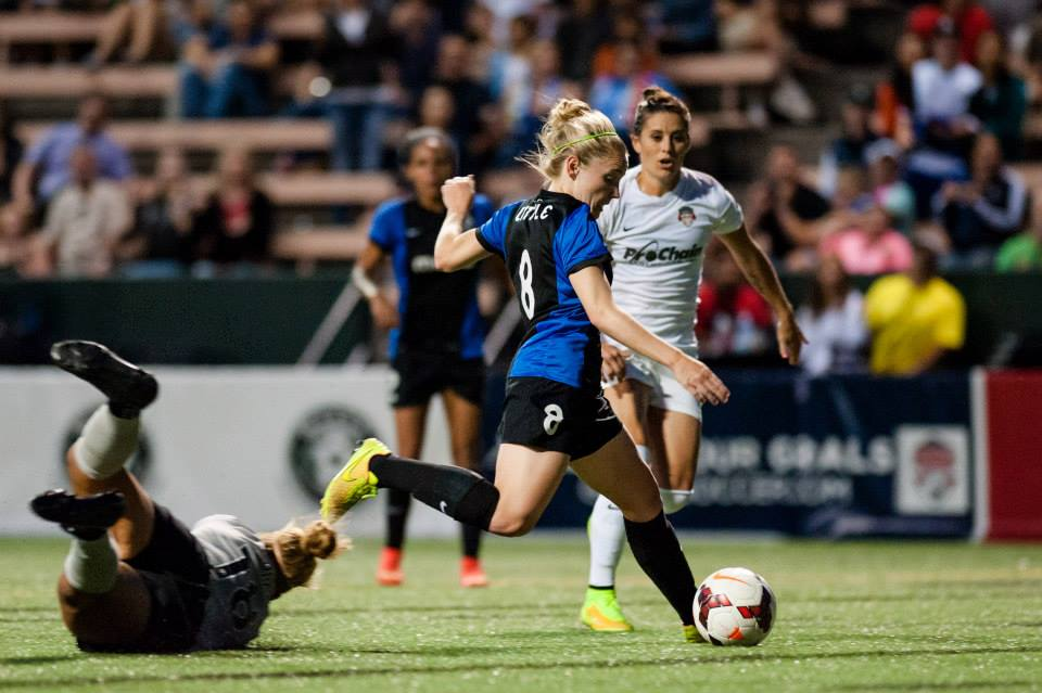 Reign's Kim Little named NWSL 2014 MVP