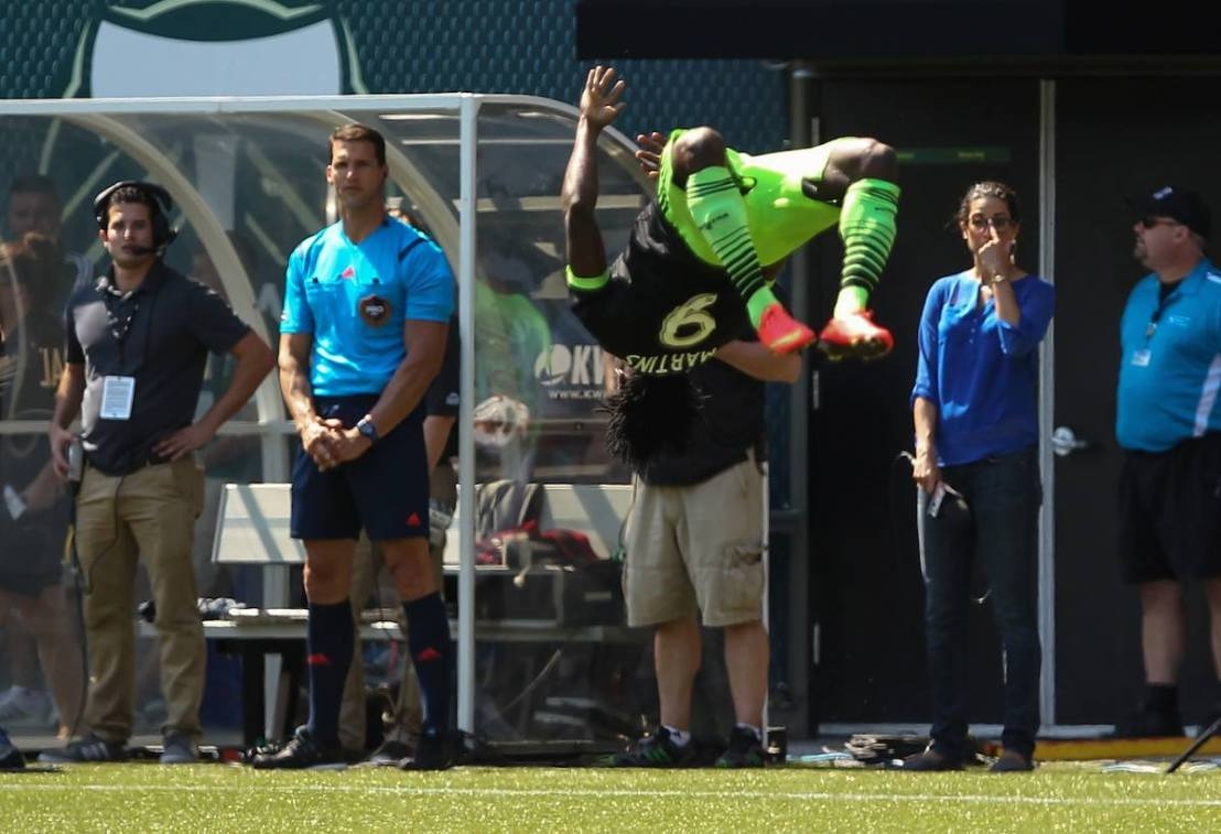 Obafemi Martins flips Portland(videos)