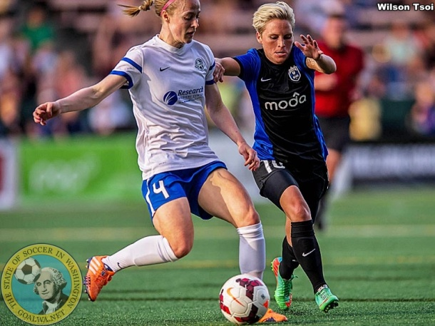 The Blues feature #4 , Defender of the Year in the NWSL. (WIlson Tsoi)