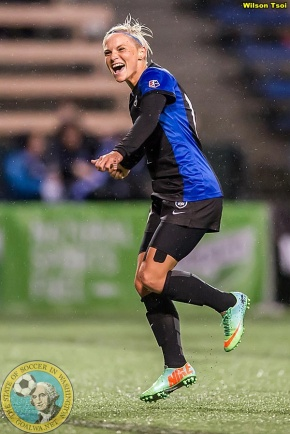 Reign to loan Fishlock to German club after NWSL season