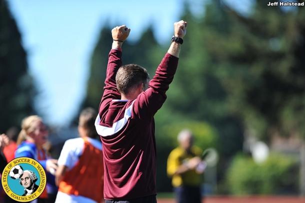 The Loggers sideline celebrates their winning goal. (Jeff Halstead)