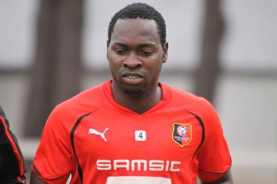 Sounders sign Nigerian defender OnyekachiApam