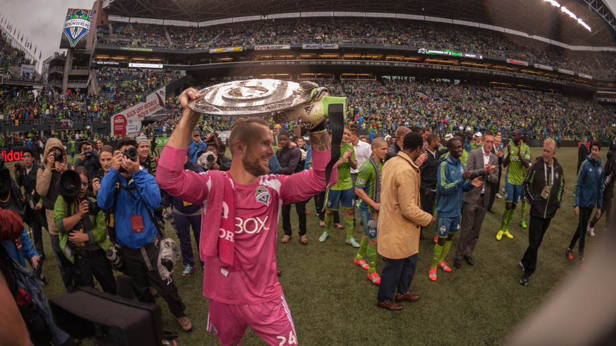 Marco Pappa's brace secures Supporters Shield for Sounders