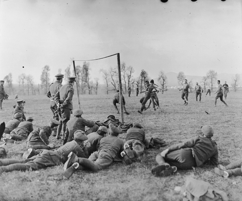 Wwi Christmas Truce.World War I Christmas Truce Soccer Match To Be Remembered