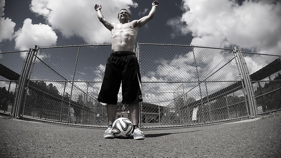 Vancouver WA freestyler Alan Croft dreams, creates a world of soccer tricks