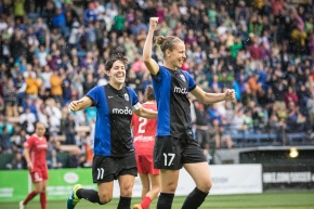 Reign FC in first place after latest win over Portland Thorns