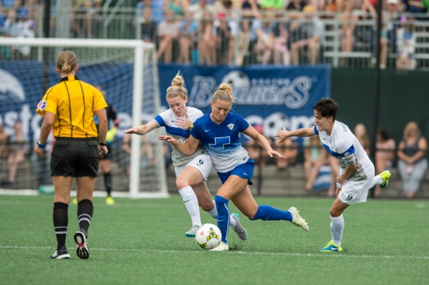 Boston Breakers v Seattle Reign at Harvard Stadium in Allston, MA on August 1, 2015. Photo: Mike Gridley